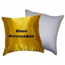 Фото на бело-желтой подушке