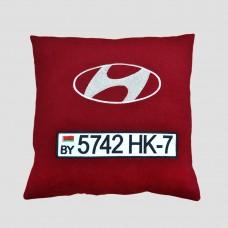 Гос номер на подушке красного цвета